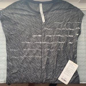 Lululemon Retreat Tee Size 10 NWT